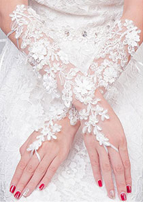In Stock Fascinating Tulle Ivory Wedding Gloves With Lace Appliques & Pearls
